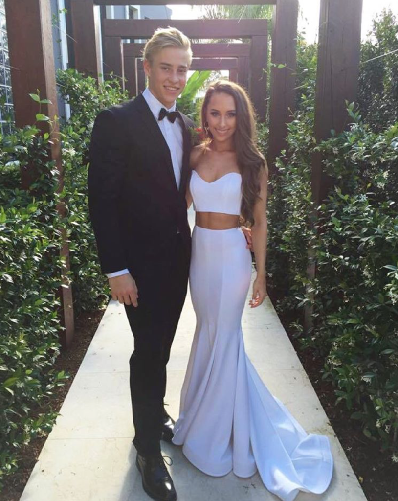 White Prom Dress,Sweetheart Prom Gown,Two Piece Prom Dress, Mermaid Formal Gown,Sweep Train Homecoming Dress,Spandex Prom Gowns,Charming Prom Dresses,Prom Dresses